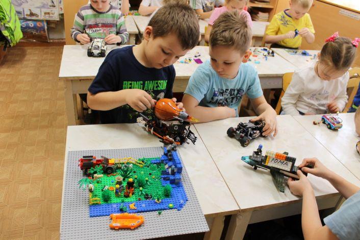 картинки лего конструирование и робототехника смонтировал